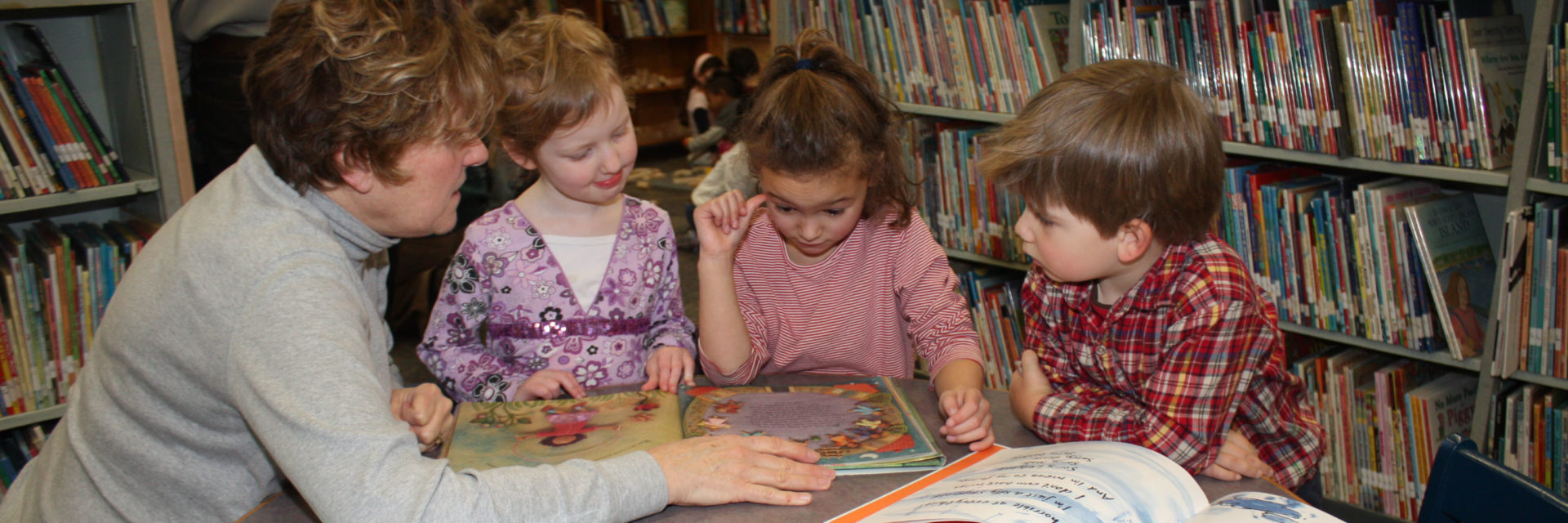 Children learn at Chace Children's Discovery Library in Providence Public Library