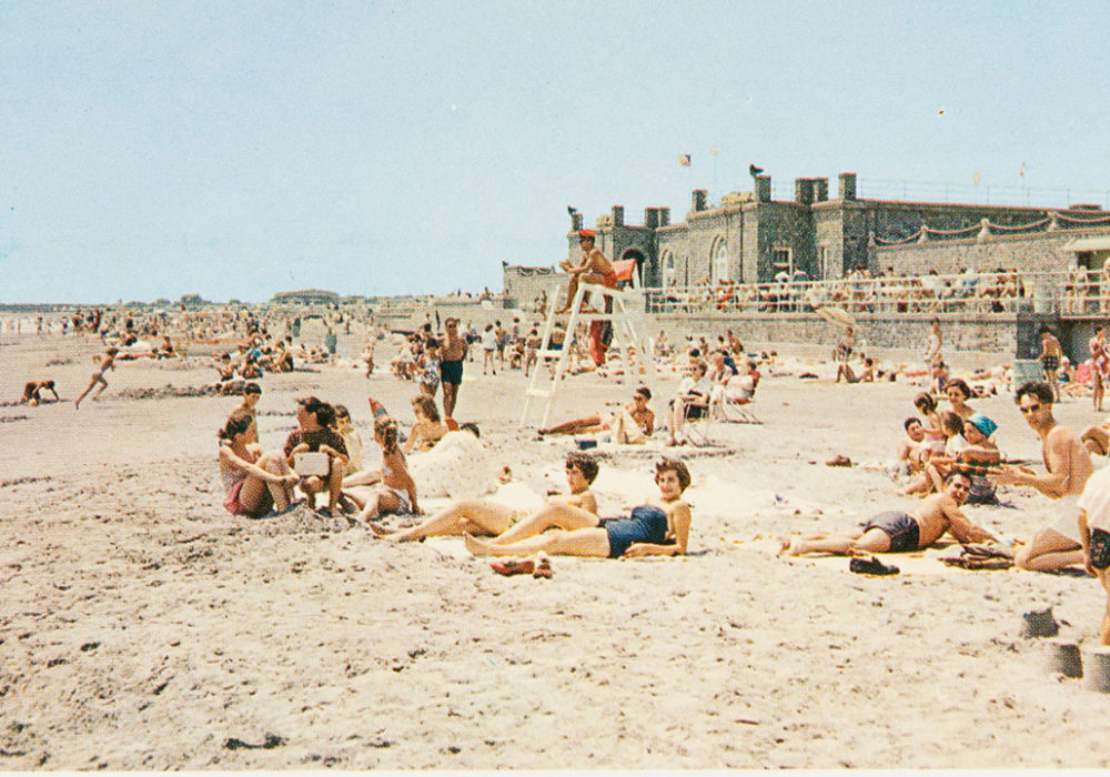 Scarbourgh Beach, RI Postcard Collection, 1965