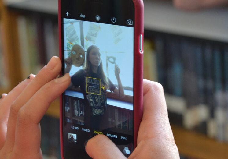 Teen Squad Selfie Project